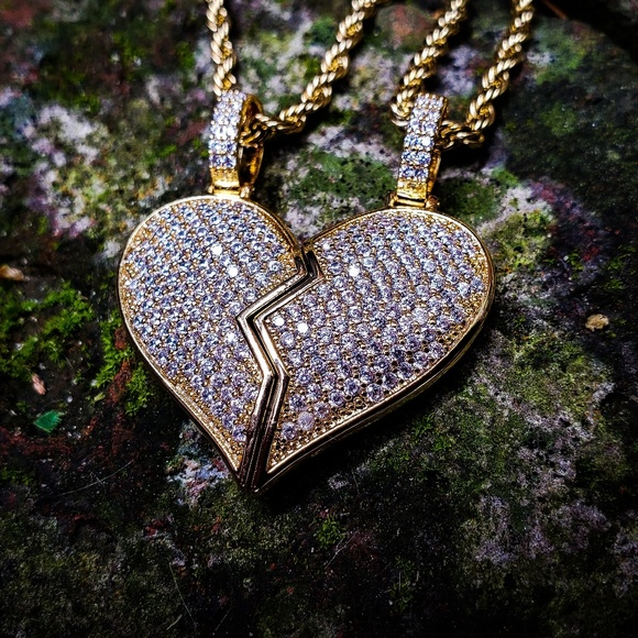 primobling Other - 14k Gp Couples Magnetic Iced Out Heart Necklace